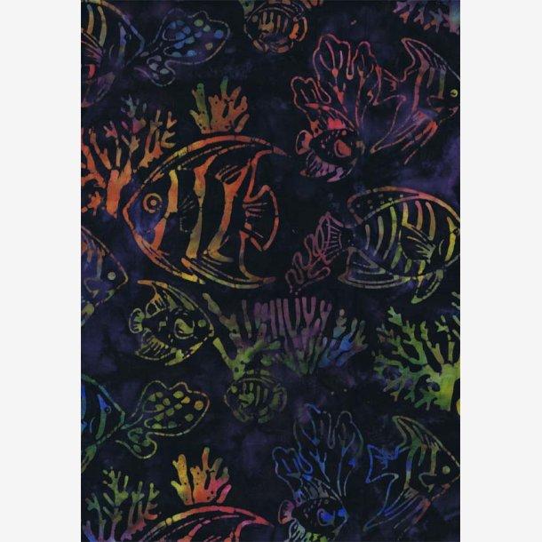 Multifarvede fisk på midnatsblå