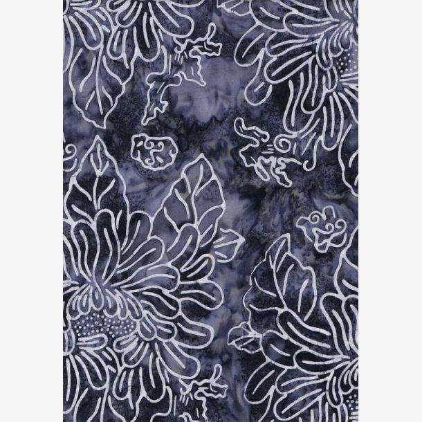 Hvide fantasiblomster på grå (batik)